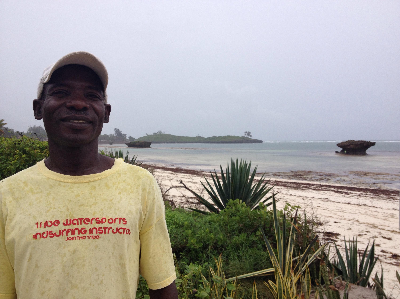 Emanuel, nella spiaggia di Watamu in Kenya. © oltreilbalcone