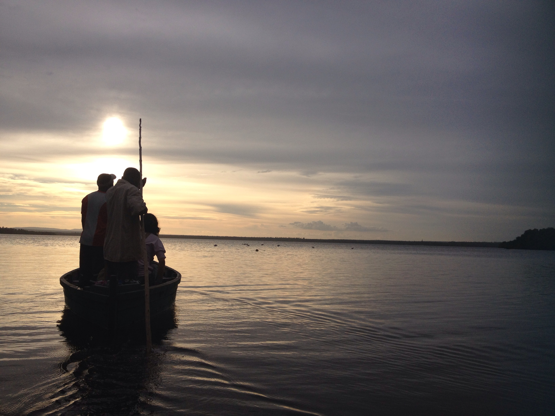 Tour in barca al tramonto tra fenicotteri e mangrovie. © oltreilbalcone