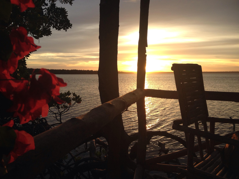 Il tramonto dalla palafitta Dabaso Creek Conservation Group. © oltreilbalcone