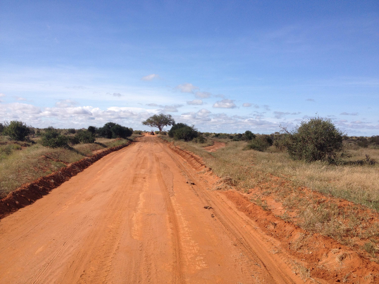 Una strada nello Tsavo.