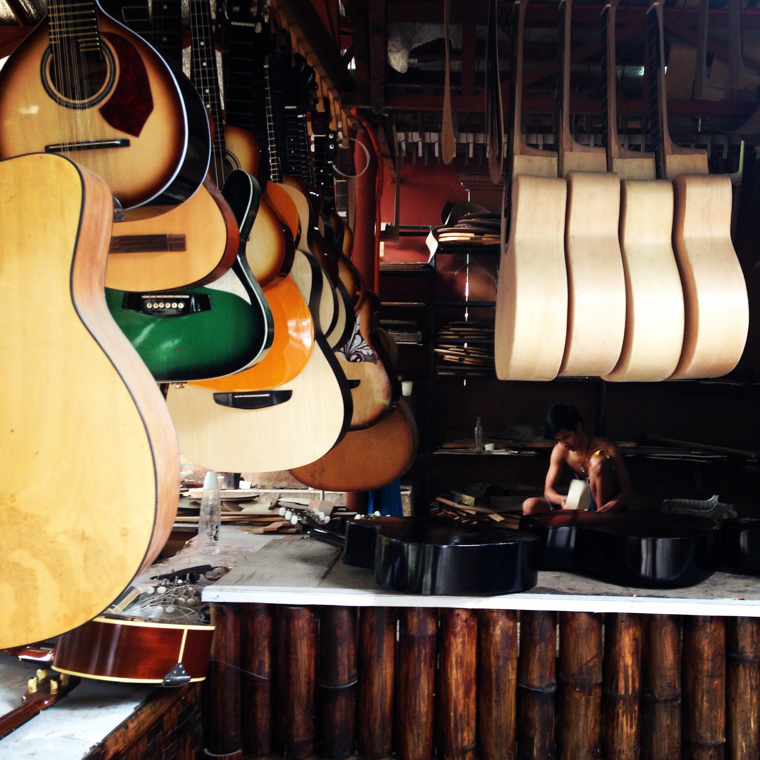 Alegre Guitars, Cebu @oltreilbalcone