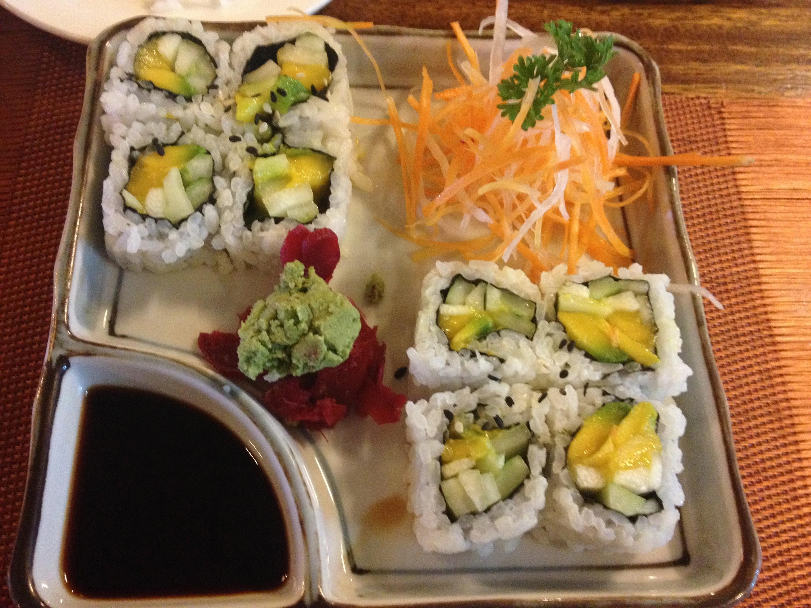 L'ottimo sushi vegetariano da Lab-as, a Dumaguete.